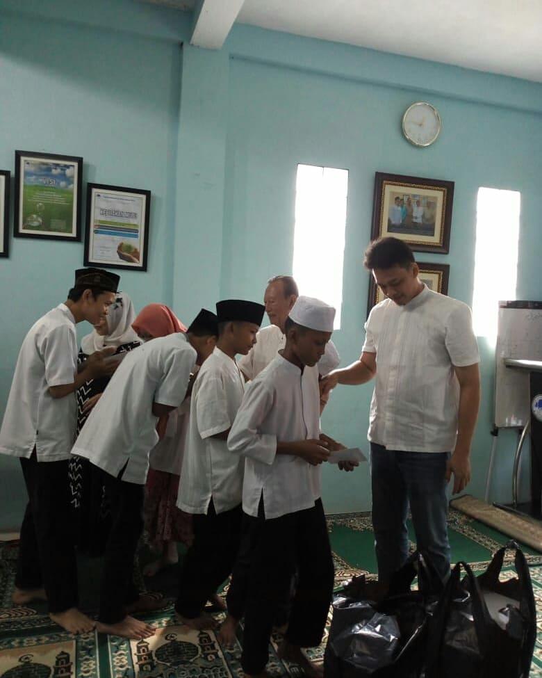 Santunan di Yayasan Rahmatan Lil-Alamin Jakarta Timur