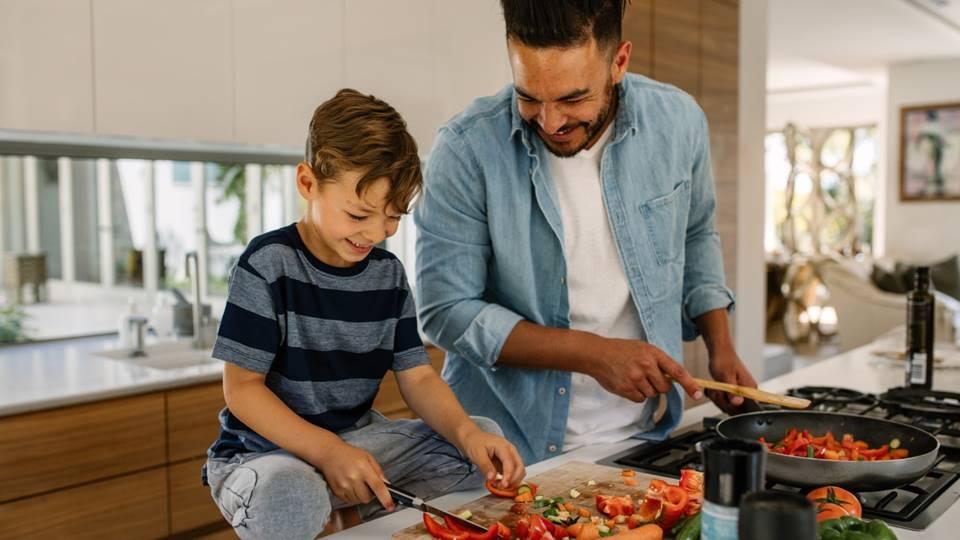 5 Cara Happy di Rumah Saat Himbauan Social Distancing