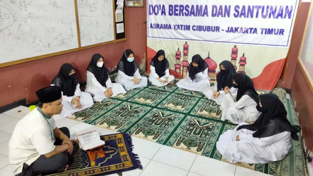 Ramadhan Bulan Al-Qur'an   Yayasan Anak Yatim di Jakarta