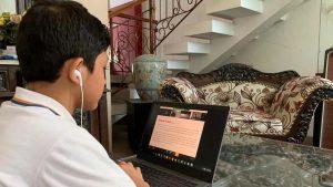 Read more about the article Ayah Bunda, Ini Tips Agar Anak Tidak Bosan Belajar Daring