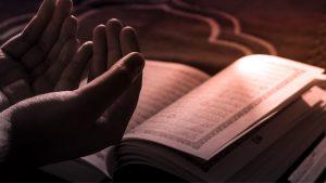 Read more about the article Doa Ini Rutin Dibaca Rasulullah di Malam Jum'at, Yuk Amalkan